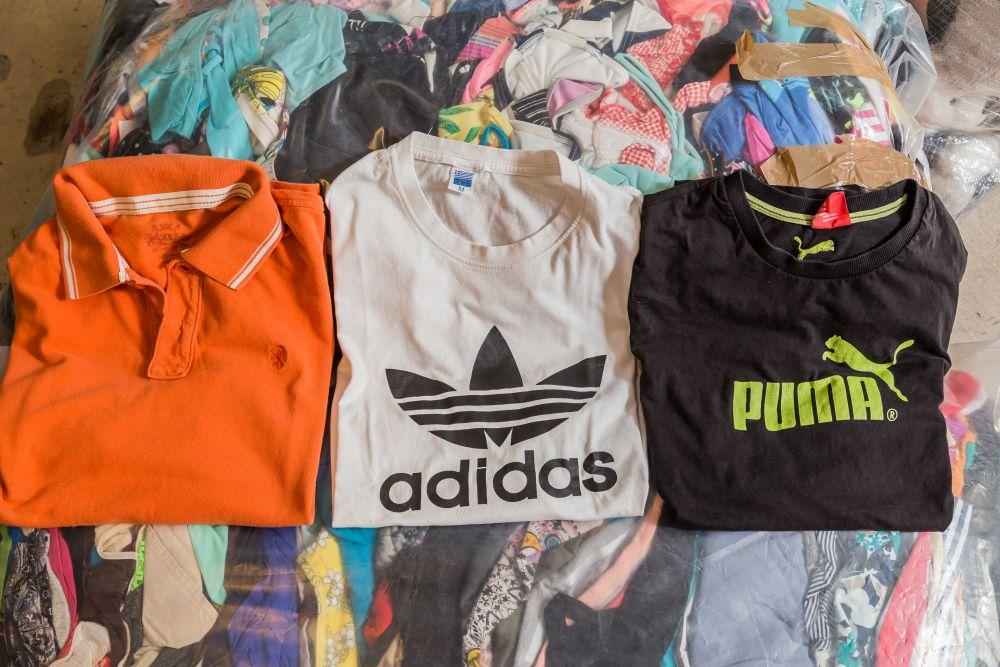Használt márkás ruha viselés